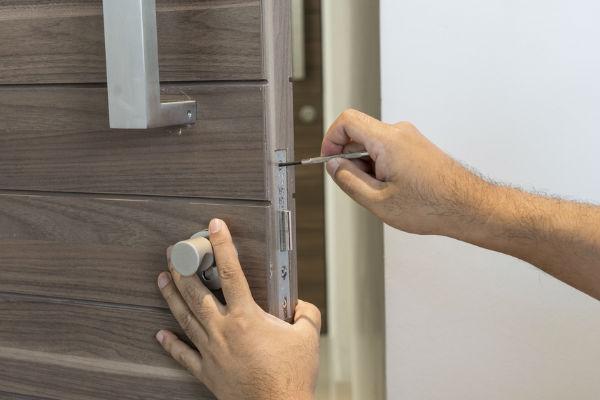 Commercial Locksmiths | Lockfit