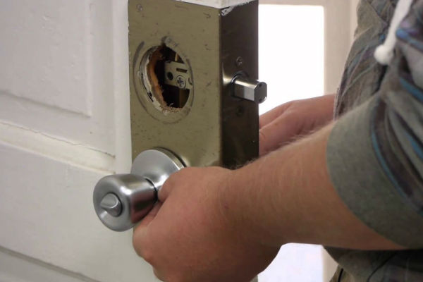 24 Hour Locksmith Services What Tools Does A Locksmith Use For Lockouts And Other Applications? Locksmith Tools  Locksmith tools Lockfit Local Locksmith Emergency Locksmiths