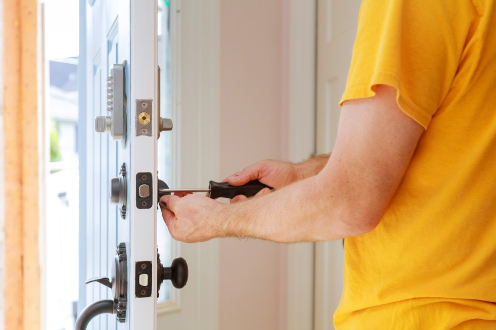 24 Hour Locksmith Services Better Locks Can Reduce Your Insurance Premiums Insurance Approved Locks  Residential locksmith Locksmiths Lockfit Local Locksmith Insurance Graded Locks