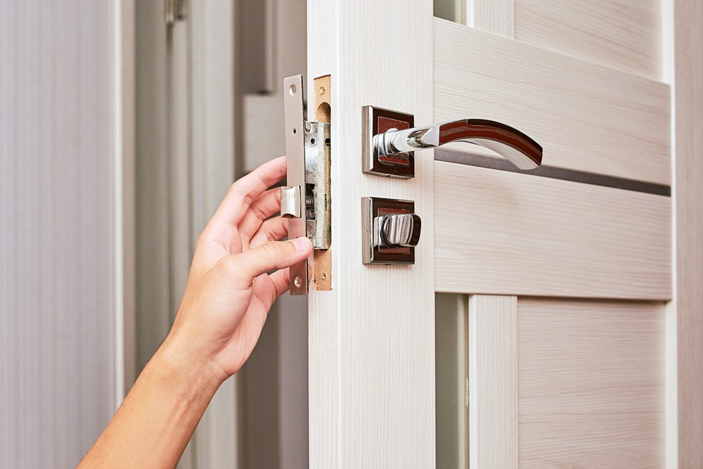 Learn About 8 Emergency Steps To Take Immediately After A Home Burglary