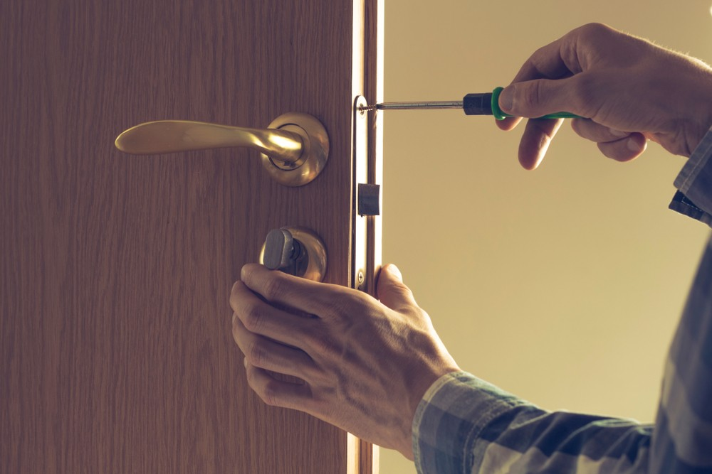 When Should You Call Locksmiths Derby? - Lockfit